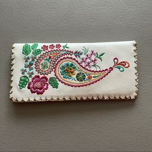 LAVISHY Floral Embroidered Bohemian Wallet